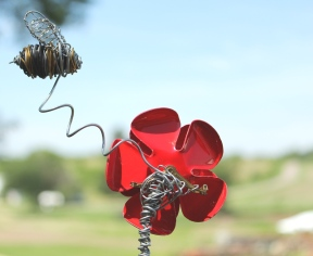 Wire Sculptures, Cat and Bee 019 - Copy