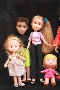 Finished Bratz Dolls, all together, plus others 070