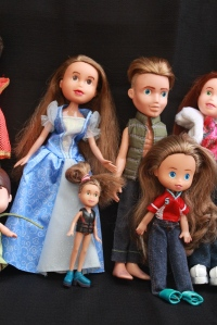 Finished Bratz Dolls, all together, plus others 071