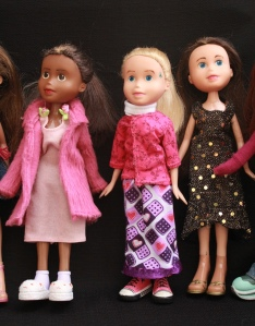 Finished Bratz Dolls, all together, plus others 073 - Copy