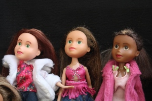 Finished Bratz Dolls, all together, plus others 076