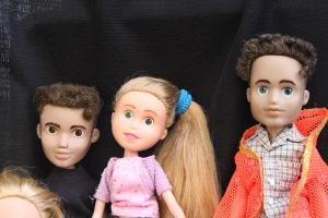 Finished Bratz Dolls, all together, plus others 080